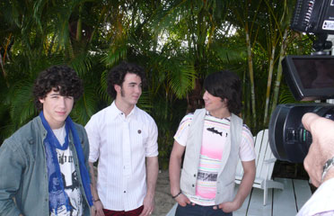 Watch the video and be magically transported to the Jonas Brothers TEEN magazine cover shoot in Florida!